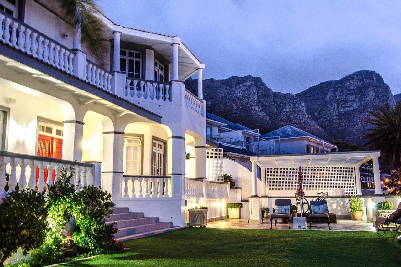 Spectacular 6 Bed Luxury Italian Villa Camps Bay